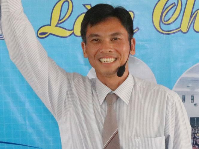 Anh Nguyễn Ngọc Tuấn chuyên gia dạy những khóa học về khởi nghiệp hoàn toàn miễn phí cho sinh viên, thanh niên.